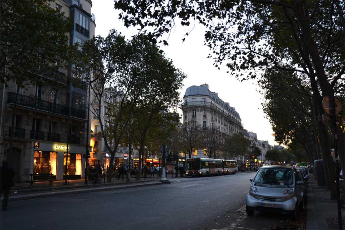 Saint-Germain-des-Prés - Little Africa Paris
